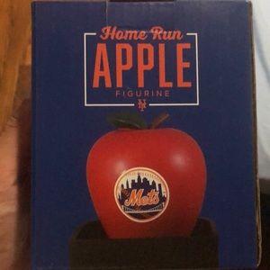 Mets Apple Figure